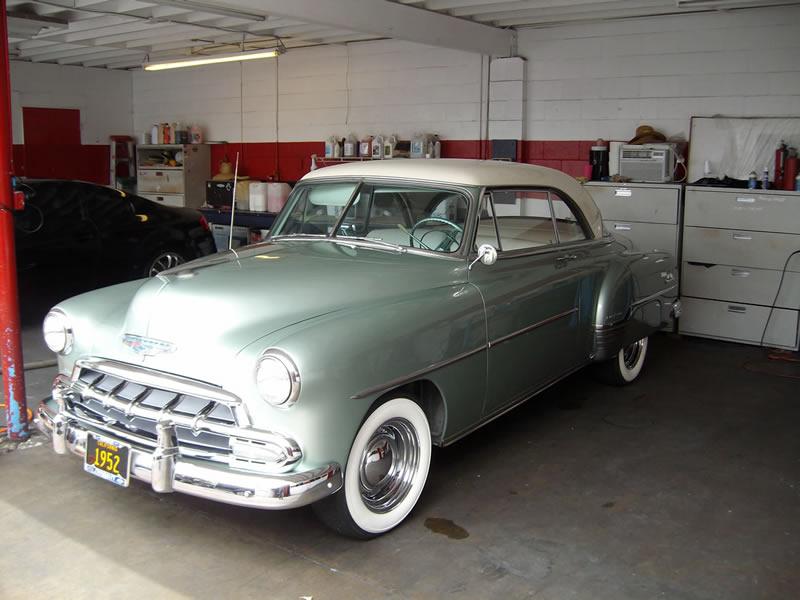 1952 Chevrolet Deluxe - Left Front View