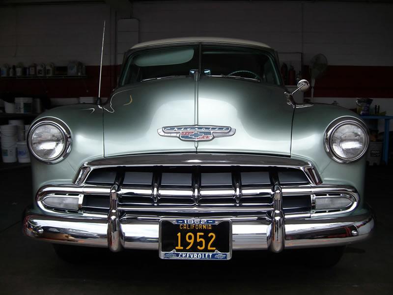1952 Chevrolet Deluxe - Front View