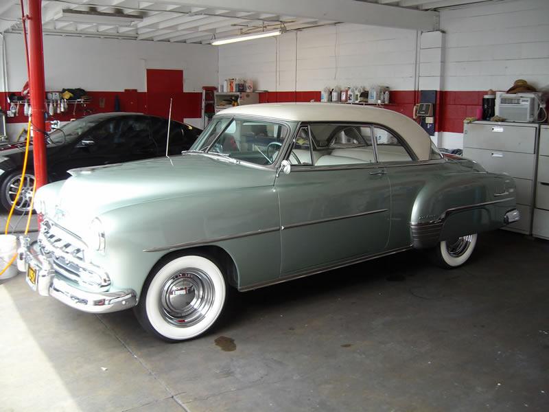 1952 Chevrolet Deluxe - Left Side View