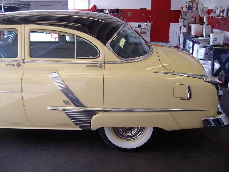 1952 Oldsmobile 88 - Left Side View